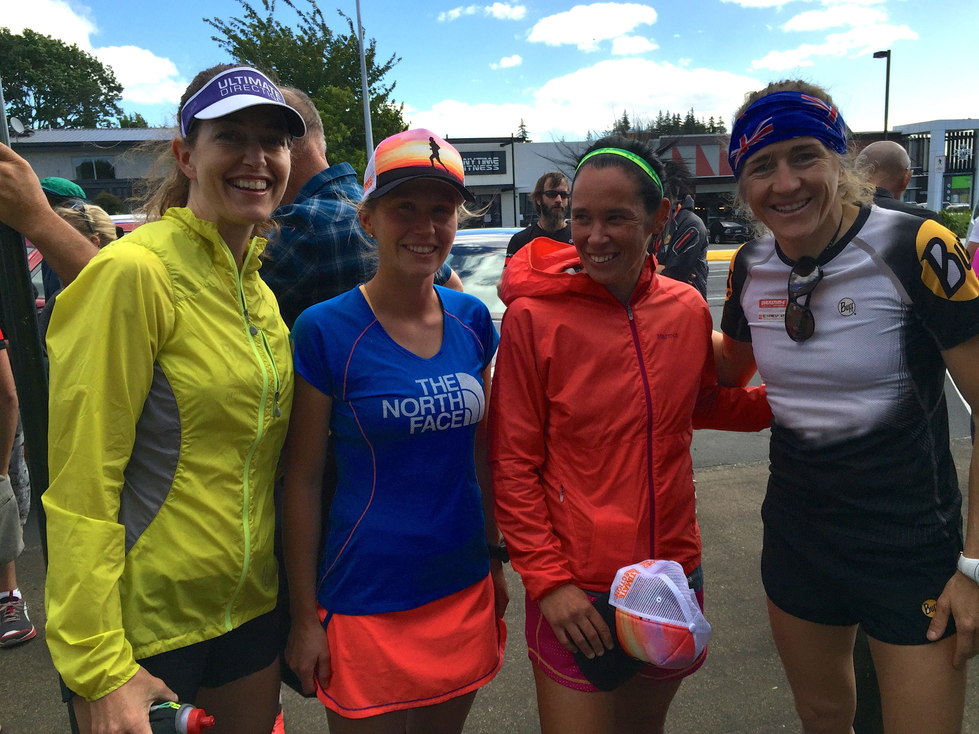 Getting to know some incredible runners: (L-R) Whitney Dagg and Jo Johansen of New Zealand, and Núria Picas of Spain.